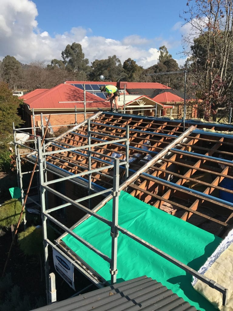 Concrete tiles of corrugated Colorbond! This Wodonga re-roof we replaced the old, tired tiles, installed new metal roof battens along with insulated blanket with a corrugated roof on top.
